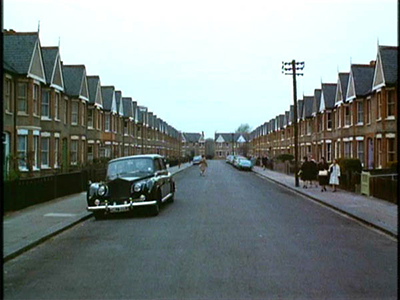 Ailsa Avenue, the Beatles going into houses in Help